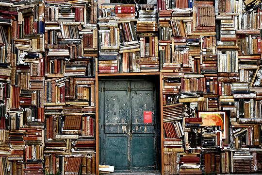 Books 1655783 1920 Mobil